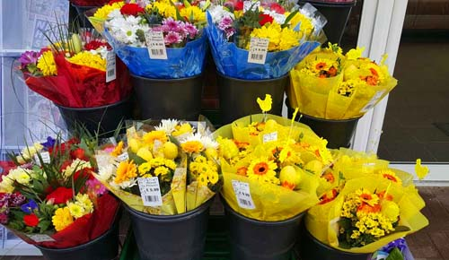 Top Reasons to Collaborate with a Wholesale Flower supplier for Your Convenience Store Supplies